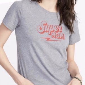 Super Mom T-shirt by Old Navy is like new xlarge